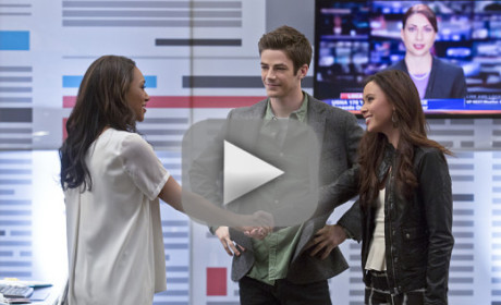 The Flash Season 1 Episode 12 Recap: Peek-a-Boo!