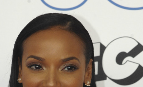 Selita Ebanks is Dating Osi Umenyiora