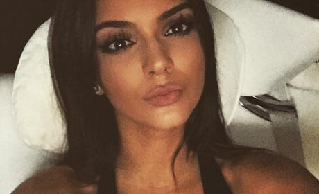 Kendall Jenner Rewards Followers with Kim Kardashian-Like Selfie