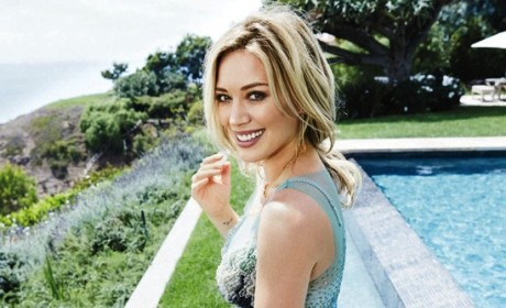 Hilary Duff Looking Hot