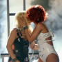 Britney-and-rihanna-kiss
