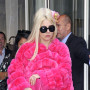 Lady-gaga-fur-coat