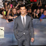 Taylor-lautner-at-breaking-dawn-2-premiere