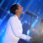 Alicia-keys-on-stage
