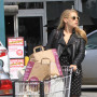 Busy-philipps-shopping