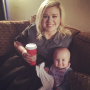 Kelly Clarkson Poses Backstage with Baby Daughter, Is JUST SO DARN ADORABLE