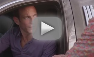 Arrested Development Season 4 Sneak Peeks: Bees! Ostriches!