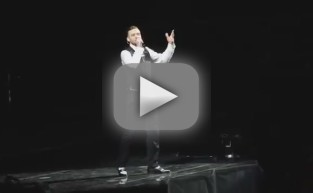 Justin Timberlake Flips Off Crowd
