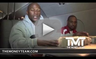 Floyd Mayweather Counts a Million Dollars
