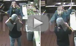 Jamie Lynn Spears Pulls Knife on Crowd