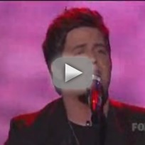 Lee-dewyze-performs-on-american-idol