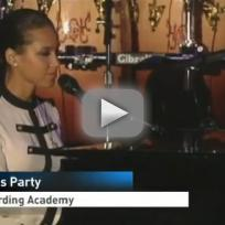 Alicia Keys Pays Tribute to Whitney Houston
