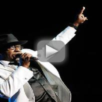 Bobby brown addresses fans at mohegan sun
