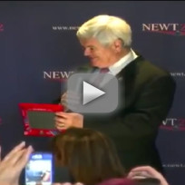 Newt gingrich demonstrates etch a sketch