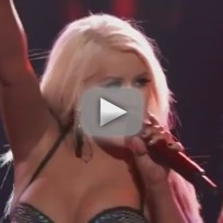 Christina Aguilera - Fighter (Live on The Voice)