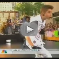 """Justin Bieber - """"Boyfriend"""" (Today Show performance)"""