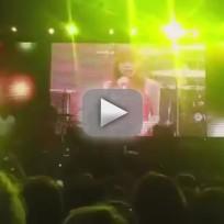 "Carly Rae Jepsen - ""Curiosity"" (Live)"
