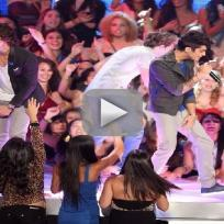 "One Direction - ""One Thing"" (MTV Video Music Awards)"