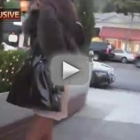Amanda Bynes Fights Paparazzi