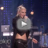 "No Doubt - ""Looking Hot"" (Live Performance)"