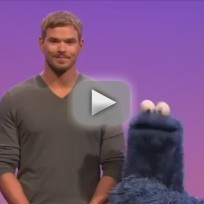 Kellan-lutz-on-sesame-street