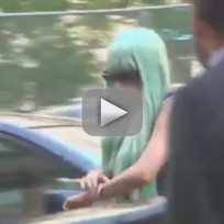 Amanda Bynes: Blue Wig in Court!