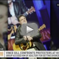Vince-gill-confronts-westboro-baptist-church-protesters