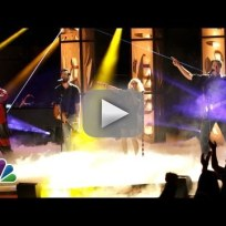 Christina Aguilera, Blake Shelton, Adam Levine and CeeLo Green - I Love Rock n' Roll (The Voice Season 5 Premiere)