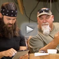 Duck Dynasty Clip - Get Up Out Your Space