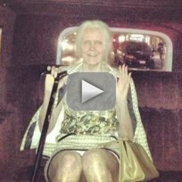 Heidi klum halloween costume a very old lady
