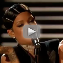 Rihanna American Music Awards Performance 2013