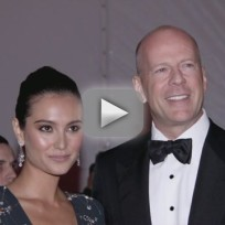 Bruce willis emma heming expecting