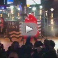 Macklemore-and-ryan-lewis-new-years-eve-performance