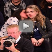 Cara-delevingne-and-michelle-rodriguez-make-out