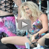 Ke$ha to Fans: THANK YOU!