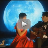 "Karen O - ""The Moon Song"""