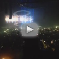 Drake Covers Rihanna in Concert