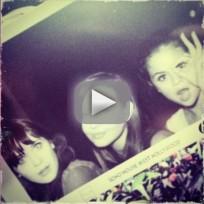 Zooey Deschanel, Selena Gomez