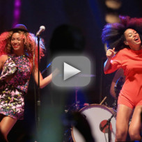 Beyonce Dances on Stage a Coachella