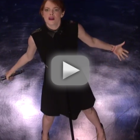 Emma stone lip syncs against jimmy fallon