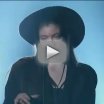 Lorde-billboard-music-awards-performance-2014