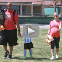 Kendra Responds to Hank Baskett Breakup Rumors