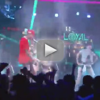 "Chris Brown - ""Loyal"" (Live)"