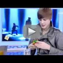 Justin Bieber Solves Rubiks Cube in Under 2 Minutes