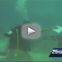 Man Proposes to Girlfriend Under Water