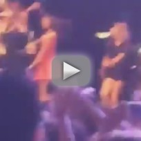 Taylor Swift Dancing at Concert