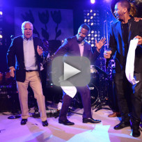 John-mccain-robot-dance