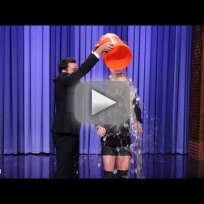 Jimmy-fallon-douses-lindsay-lohan-with-cold-water