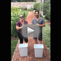 Kelly-clarkson-accepts-ice-bucket-challenge