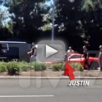 Justin-bieber-gets-into-car-accident-with-paparazzi